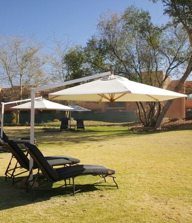 cantilever_umbrellas_namibia003A