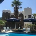poolcovers_namibia_cantilever_umbrellas0001