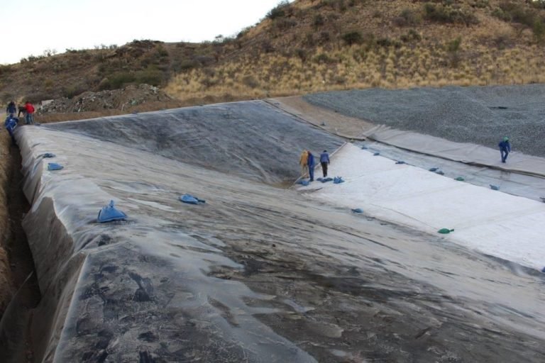 poolcovers_namibia_landfills0001