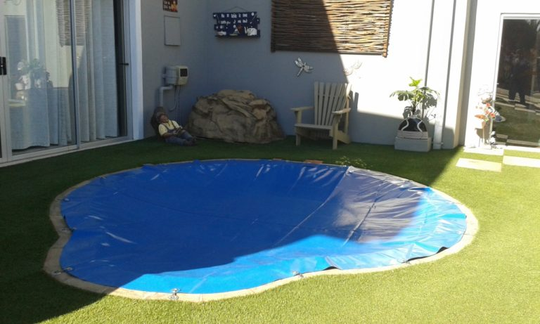 hook_in_poolcovers_namibia014