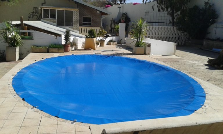 hook_in_poolcovers_namibia015