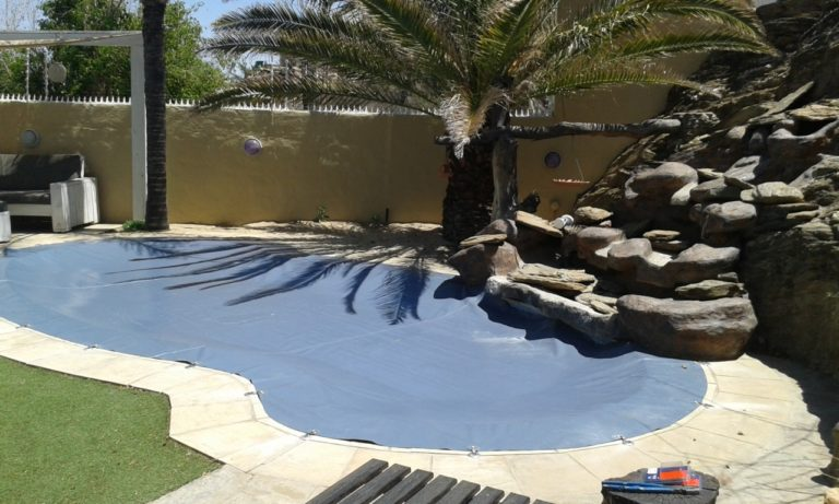hook_in_poolcovers_namibia016